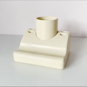retro structural taupe bathroom sink holder/set